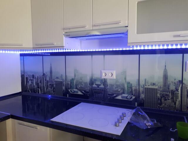 városi kilátás konyha hátfal